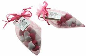 Bedankje organza puntzakje roze met bruidsuiker mini hartjes