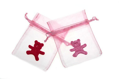 Organza zakje licht roze met satijn beer roze en fuchsia