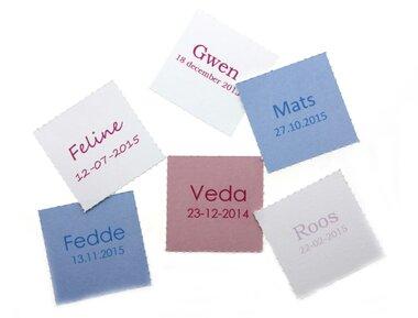 12 vierkante labels voor doopsuikerdoosje Naam en geboortedatum