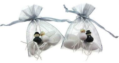 Bedankjes gelukspoppetjes bruidspaar en bruidsuiker